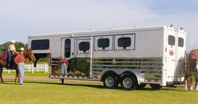 Sundowner Horse Trailer